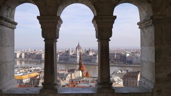 scape budapest parliament