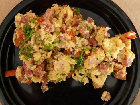 scrambled eggs breakfast fried