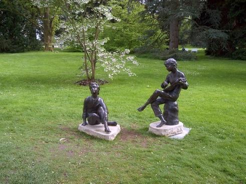 sculpture gardens statue