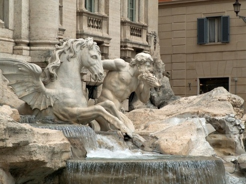 sculptures of trevi fountain