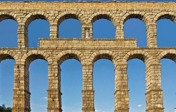 segovia spain roman aqueduct