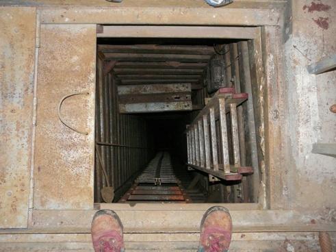 shaft pit cave speleology