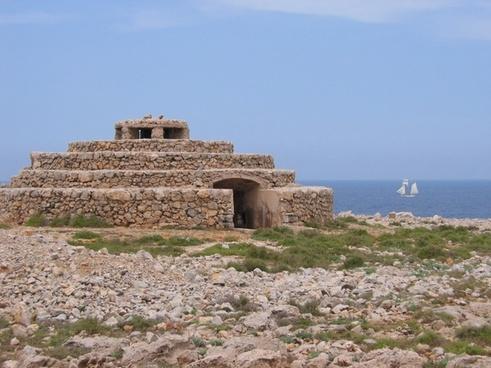 shelter stones sea