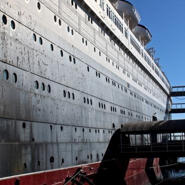 ship faded glory ocean liner