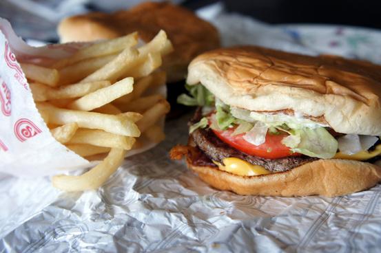 short stop bacon cheeseburger