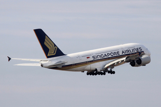 singapore airlines a380 8009v skd