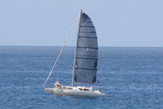 singlemast catamaran
