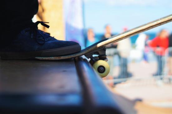 skateboard foot