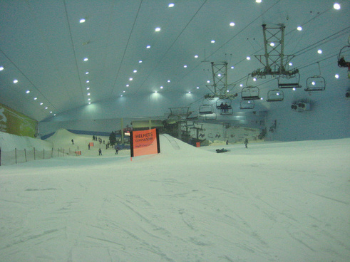 ski dubai from the top of the slope
