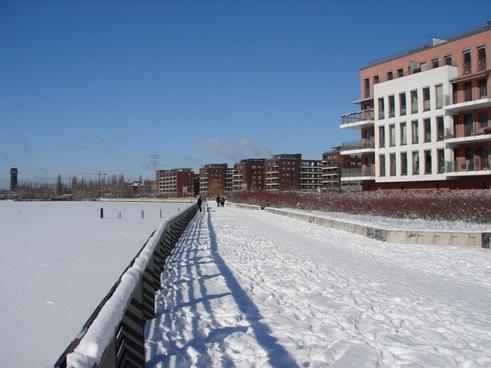 snow away white