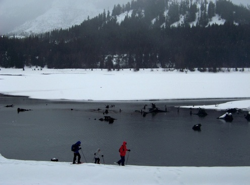 snowshoeing at lake easton