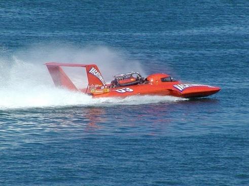 speedboat boot race