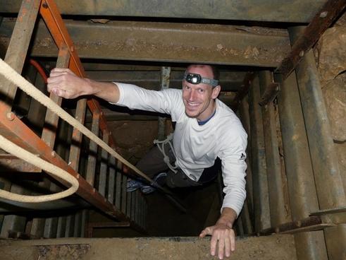 speleology shaft pit cave