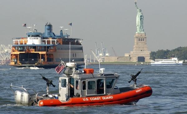 statue of liberty new york city ship