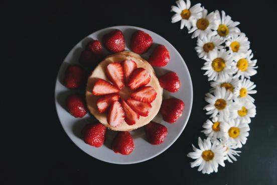 strawberries flowers