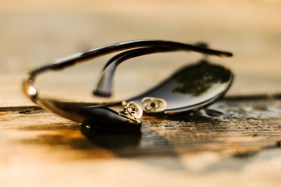 sunglasses wide aperture