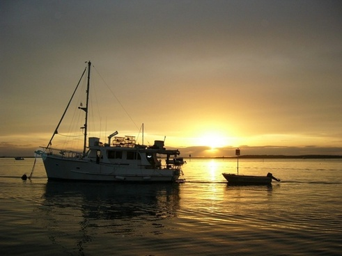 sunset at the bedrooms gold coast broadwater sunset boating