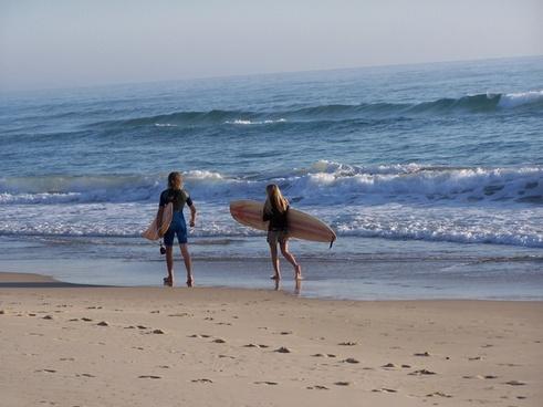 surfer beach run