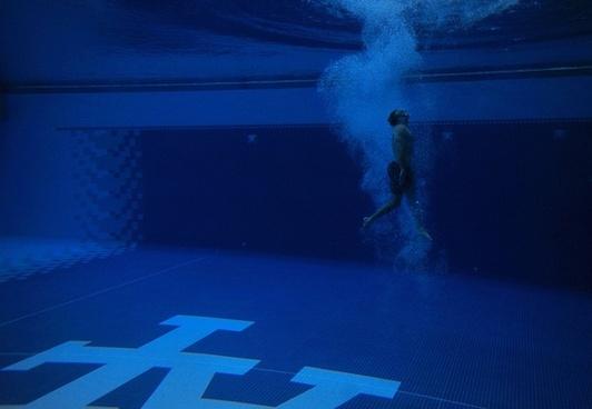 swimmer swimming pool