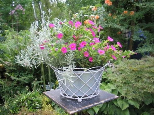 table arrangement flowers