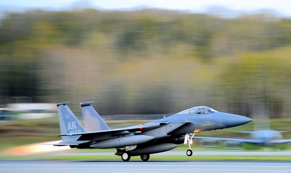 take-off f-15 eagle jet