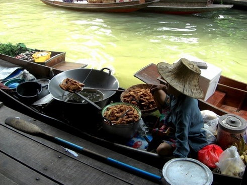 thailand boat woman