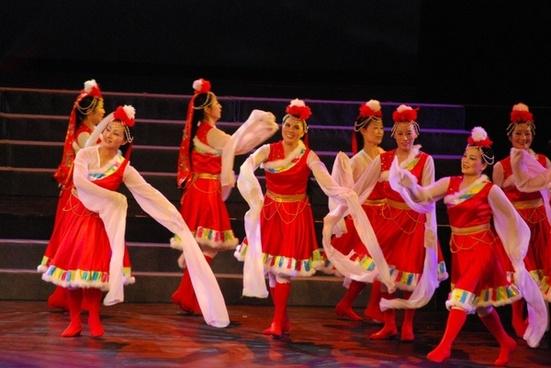 tibetan dancers 2