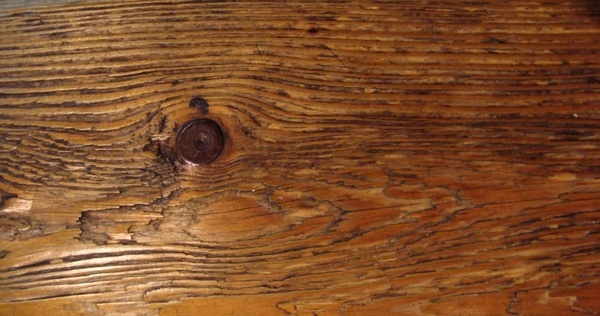 timber with knot