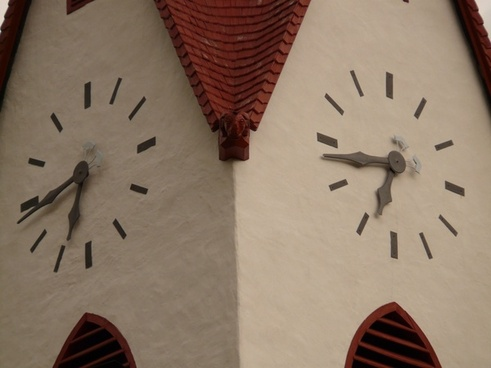time of church clock clock