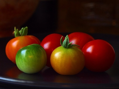tomatoes green red