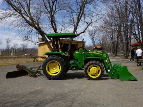 tractor green transportation