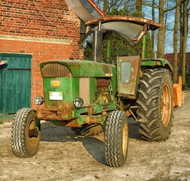 tractor john deere farm