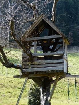 treehouse tree hut home