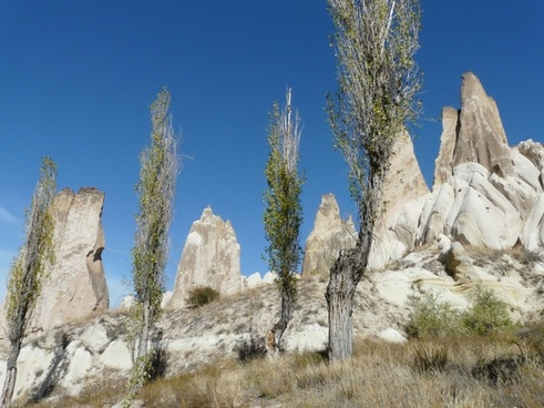 valley of roses cappadocia fairy towers
