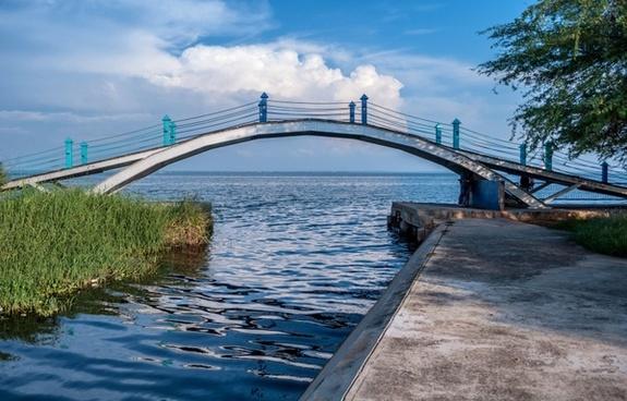 venezuela bridge sea