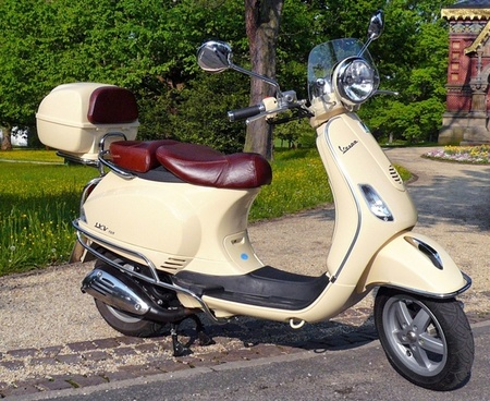 vespa lxv cycle motorcycle