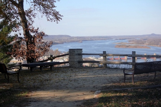 view of river from lookout post at bellevue state park iowa