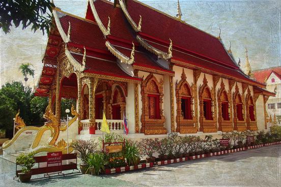walking on the chiang mai