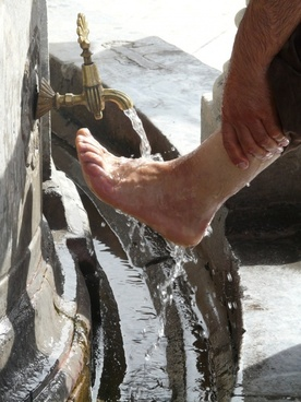 washing ritual foot care