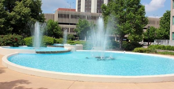 water fountain in springfield illinois