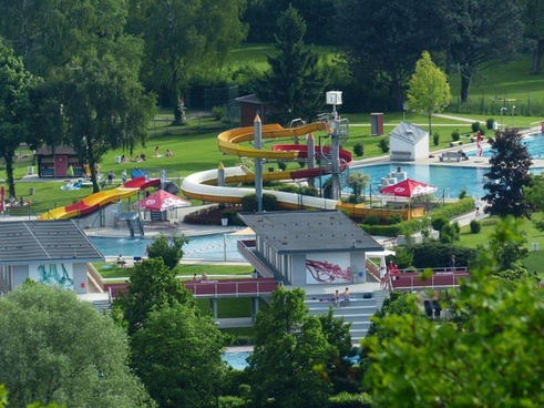 water slide leisure pool water park