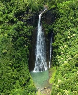 waterfall jurassic waterfall kauai