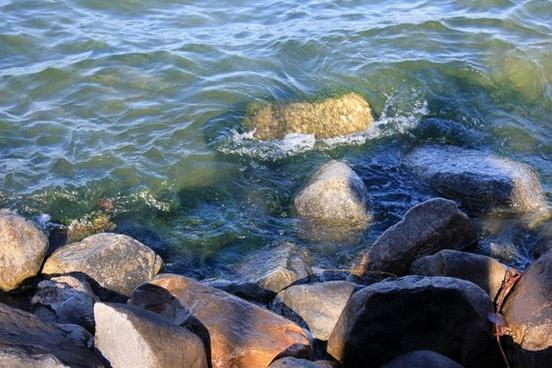 waves crashing on the rocks in madison wisconsin