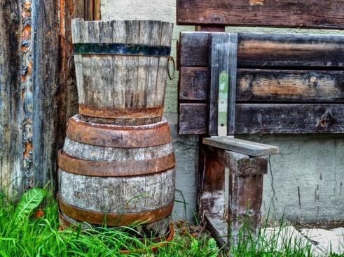 wooden kegs barrels