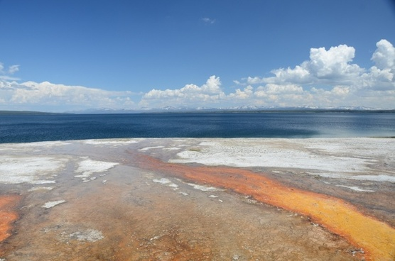 yellowstone lake west thumb absaroka mountains