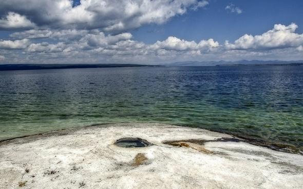 yellowstone lake wyoming usa
