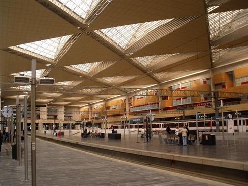 zaragoza spain train station