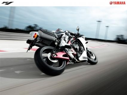 2009 Yamaha YZF R1 Bike