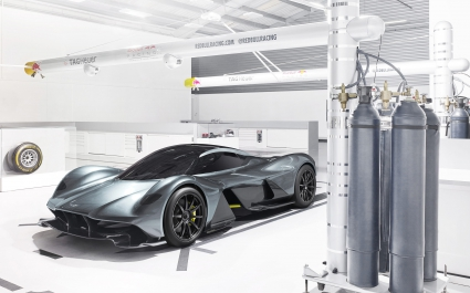 2018 Aston Martin Red Bull AM RB