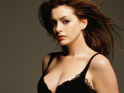 Anne Hathaway 311
